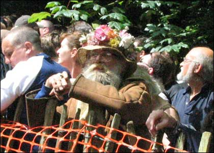 I am LOVING his bonnet!